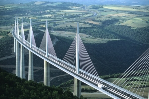 Millau_Bridge_in_France